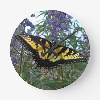 東のトラのアゲハチョウの蝶 ラウンド壁時計