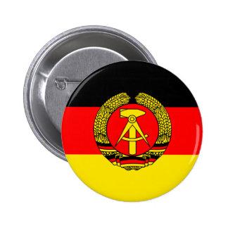 東ドイツの旗 5.7CM 丸型バッジ