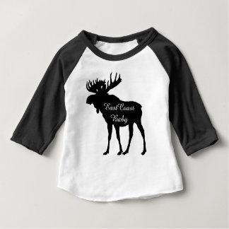東海岸のベビーのかわいく素朴なアメリカヘラジカのクリスマス ベビーTシャツ