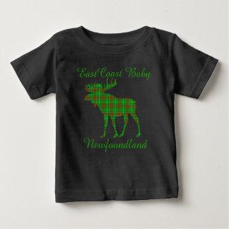 東海岸のベビーのニューファウンドランドのタータンチェックのアメリカヘラジカ ベビーTシャツ
