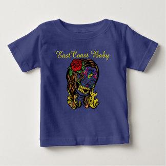 東海岸のベビーの落書きの女の子 ベビーTシャツ