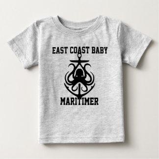 東海岸のベビーのMaritimerのいかりのタコの灰色 ベビーTシャツ