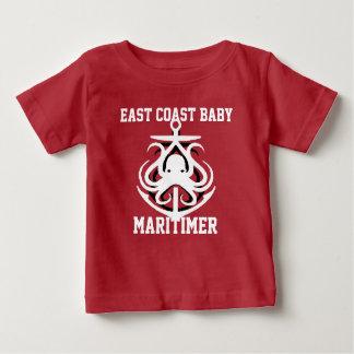 東海岸のベビーのMaritimerのいかりのタコの赤 ベビーTシャツ