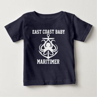 東海岸のベビーのMaritimerのいかりのタコ ベビーTシャツ