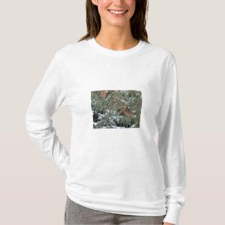 松の木かマツ円錐形の長袖のワイシャツ Tシャツ