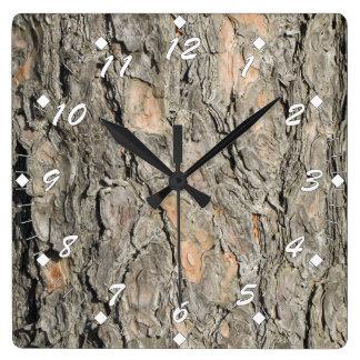 松の木の吠え声 スクエア壁時計
