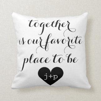 枕である私達のお気に入りのな場所はともにあります クッション