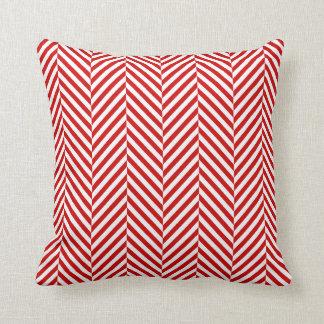 枕モダンなヘリンボンパターン赤 クッション