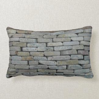 枕模倣の石細工 ランバークッション