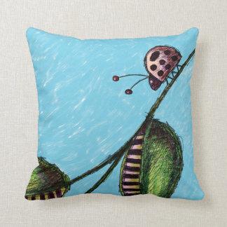 枕、てんとう虫の花のきのこのスケッチ クッション