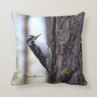 枕-キツツキのモンタナの自然の鳥の写真 クッション