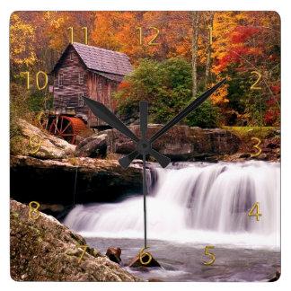 林間の空地の入り江の碾き割りの製造所 クロック
