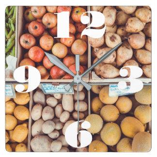 果物と野菜のカスタマイズ可能なバスケット スクエア壁時計