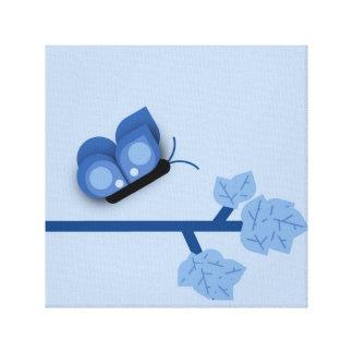 枝の青いテーマの蝶 キャンバスプリント