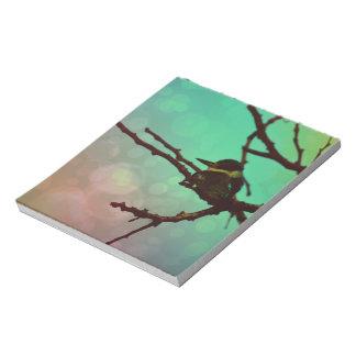 枝の鳥-水Nのピンク ノートパッド
