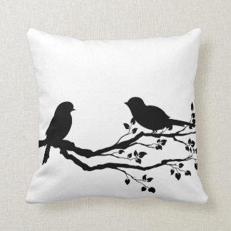 枝リバーシブルの装飾用クッションの鳥 クッション