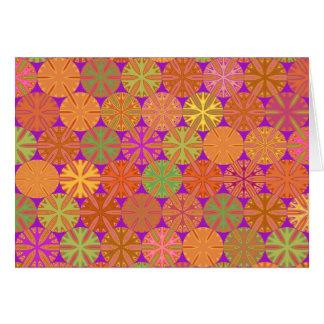 柑橘類は紫色のメッセージカードの幾何学的スライスします カード
