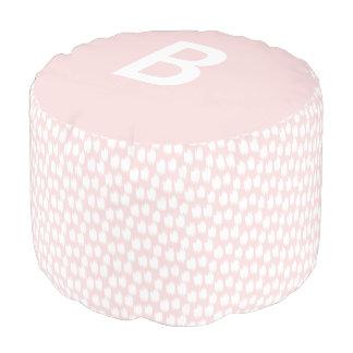 柔らかいピンクのアニマルプリント|のラウンドパフ プーフ