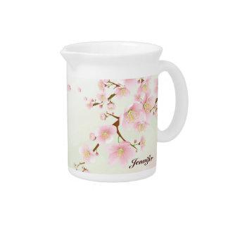 柔らかいピンクの桜の自然のモノグラム ピッチャー