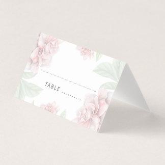 柔らかいピンクの花のエレガントで白い庭園の結婚式 プレイスカード