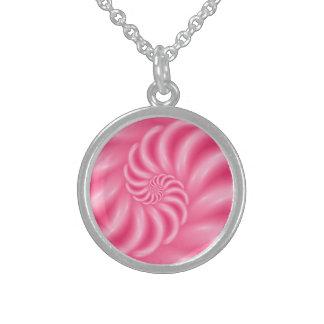 柔らかい光沢のあるピンクの螺線形のネックレス スターリングシルバーネックレス