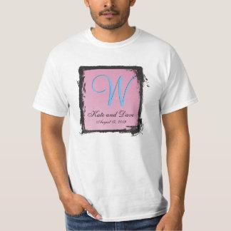 柔らかい感情のガーリーなピンク3dのモノグラム tシャツ