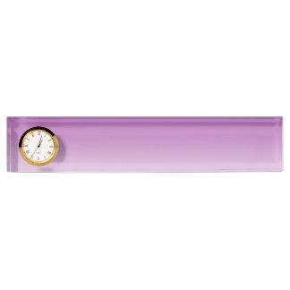 柔らかい紫色のグラデーション