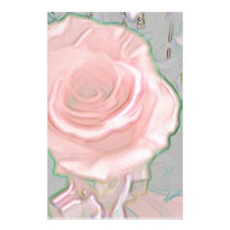 柔らかく敏感なピンクの色相の芸術的なデザイン 便箋