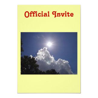 柔らかく白い雲上のUFOの日が差すこと カード