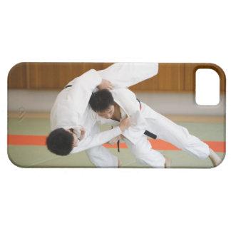 柔道のマッチ2で競っている2人 iPhone SE/5/5s ケース