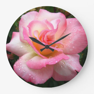 柱時計-ピンクの花びらによって上がりました 時計