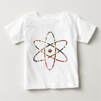 核Nucleas -赤い輝きのデザイン ベビーTシャツ