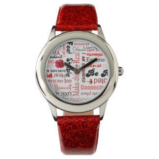 根のチャクラの前向きな断言のタイポグラフィ 腕時計