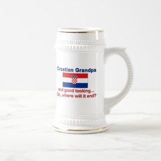 格好良いクロアチアの祖父 ビールジョッキ