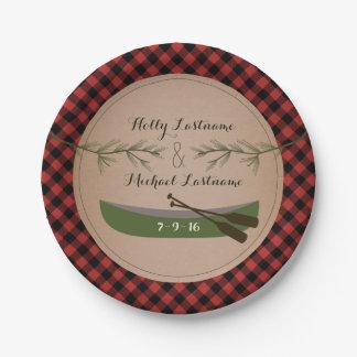 格子縞のカヌー + 常緑の木の素朴な結婚式 紙皿 小