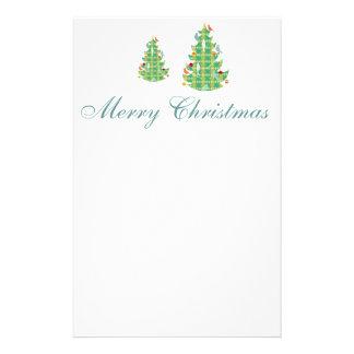格子縞パターンクリスマスツリーおよび鳥 便箋
