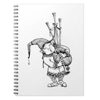 格言および彼のバグパイプ ノートブック