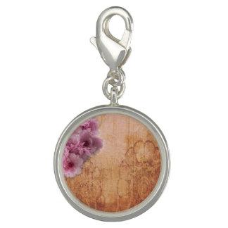 桜のブラウンの円形のチャーム チャーム