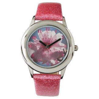 桜の女の子のピンクのグリッターの腕時計 腕時計