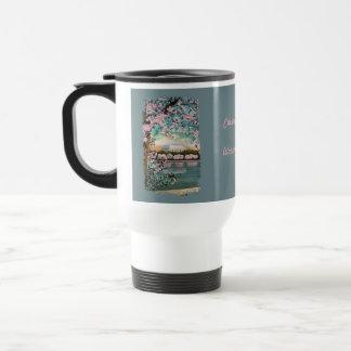 桜の色彩の鮮やかなコーヒー・マグ トラベルマグ