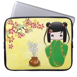 桜のKokeshiの人形、ラップトップスリーブ ラップトップスリーブ