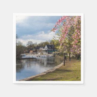 桜、ボートハウスの列、フィラデルヒィア スタンダードカクテルナプキン
