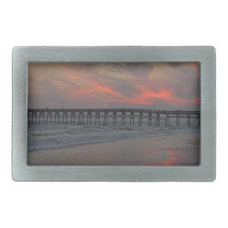 桟橋および日没-カシの島、NC 長方形ベルトバックル