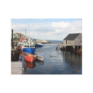 桟橋に沿う漁船 キャンバスプリント
