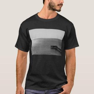 桟橋のTシャツ Tシャツ