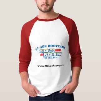 桟橋への桟橋はFrのロゴ、www.MBbootcamp.comを走ります Tシャツ