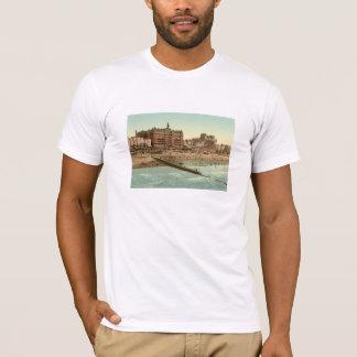 桟橋IIから、ブライトン、イギリス Tシャツ