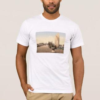 桟橋III、Lowestoftのサフォーク、イギリス Tシャツ