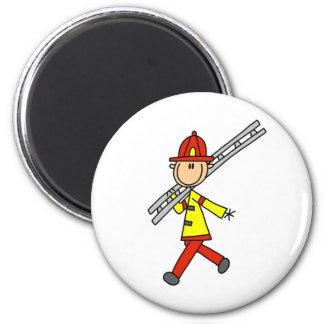 梯子の磁石を持つ棒の姿の消防士 マグネット
