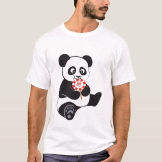 棒つきキャンデーを持つパンダ Tシャツ